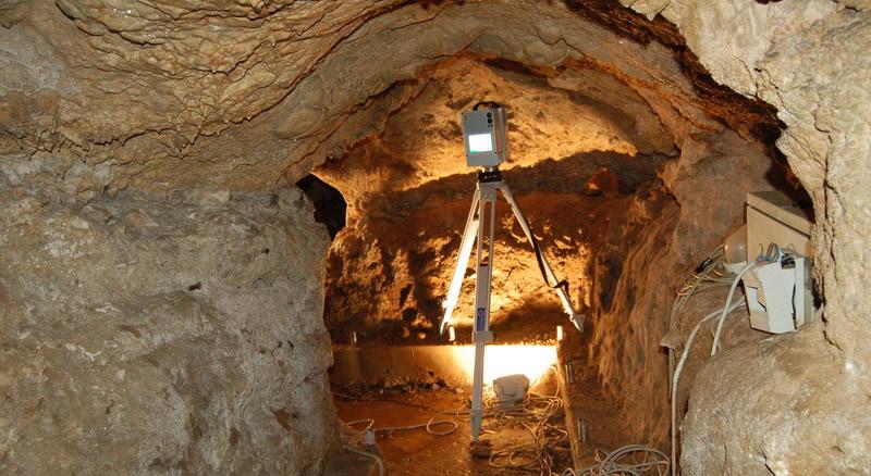 grotta anteprima