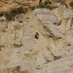 Disgaggio e consolidamento parete rocciosa con rocciatore